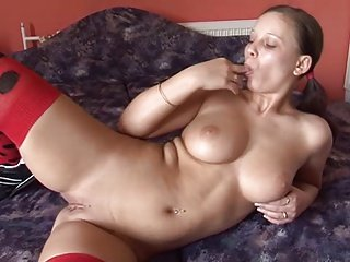 Teenage amateur fingers her pussy like crazy.