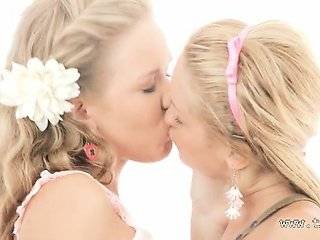 blonds using huge double dildo