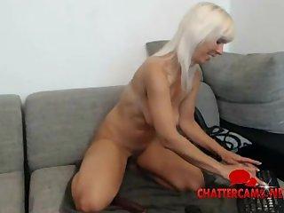 Fit Body Blonde Hot lady Striptease