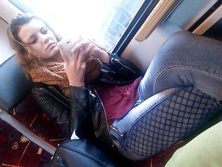 在火车2热青少年