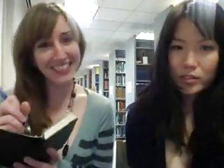 petite asiat en librairie avec une copines (version longue)
