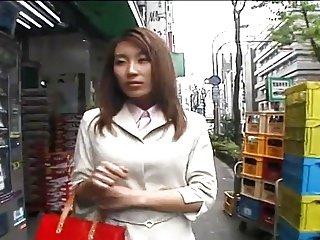 日本角质女孩和一个一天工作由PACKMANS