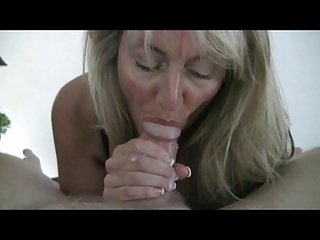 Hot Hot lady gives a Hot BJ