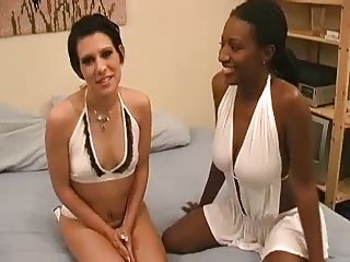 White and Black Girls in Hot Threesome