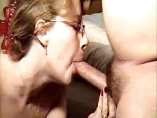 Amateur blow job and deepthroat