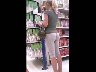 hot ass girl in yoga pants