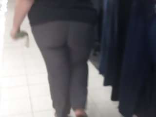 FAT WHITE ASS IN JEANS