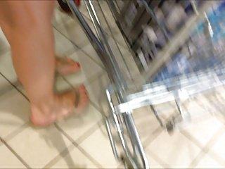 Upskirt in shop 17