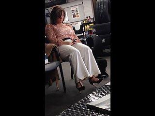 Voyeur of Plus size hot lady in high heels.