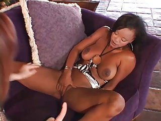 Interracial Lesbian Encounter