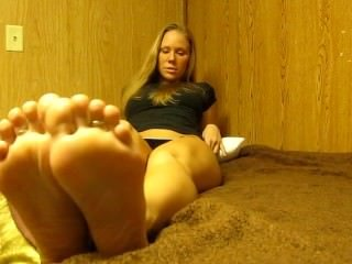 Brooke's Smelly Feet JOI with Countdown & Cum on Soles