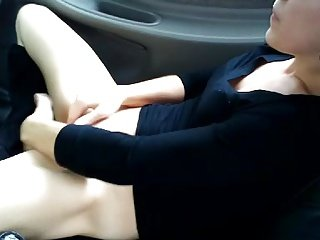 Russian slut getting off in the car