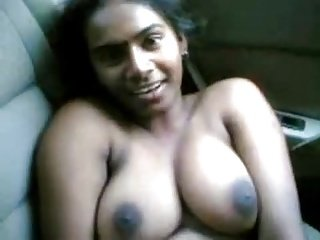 tamil girl in car topless with her bf