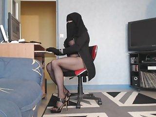 salope恩阿拉伯语面纱