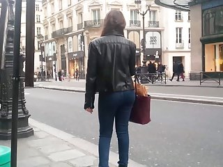 Girl waiting for the bus - sexy ass