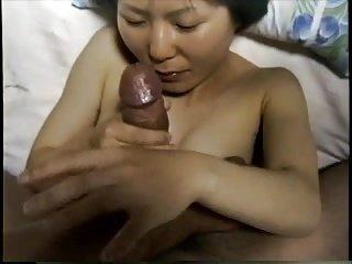 Japanese amateur petite woman. Drink the semen in blow job