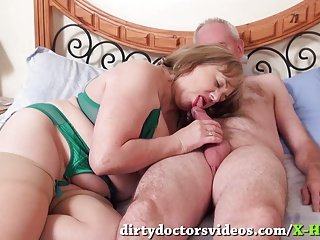 Dick Sucking Mature Trisha Gets a Mouthfull