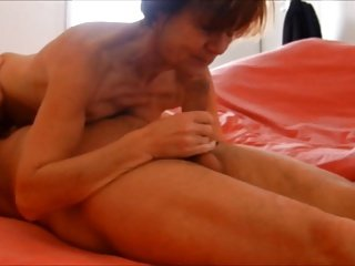 Granny Clarill saggy tits suck and come fingering boyfriend