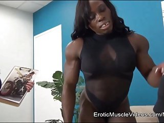 EroticMuscleVideos BrandiMae and Miss Treasure Train A Slave