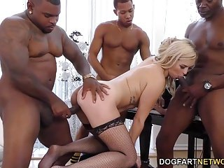 Summer Day Enjoys Anal Gangbang - Cuckold Sessions
