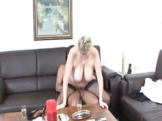 mature mom sc64