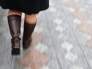 Turkish Hot lady Wears Very Sexy Boots-2