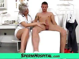 CFNM exam and handjob feat. Czech hot lady Beate