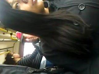 Touchj公鸡在公共汽车上