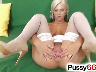 Extreme pussy stretching with Czech slut Nathaly Heaven