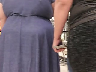Large booty mom n daughter