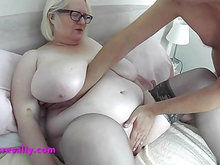 Granny getting a tits and pussy massage