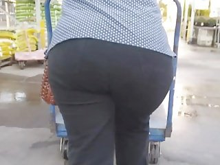 Thick Hot lady Granny Donk (Part 1)