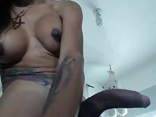 Beautiful shemale Laura Saenz on webcamshow 2