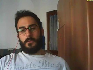 An other perfect italian guy : greate beard and big dick