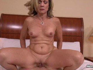 Sexy Natural Tits Bubble Butt Amateur Hot lady Fuck POV
