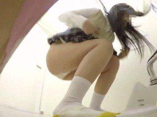 【JAPAN】peeing peeping toilet pii pis schoolgirl